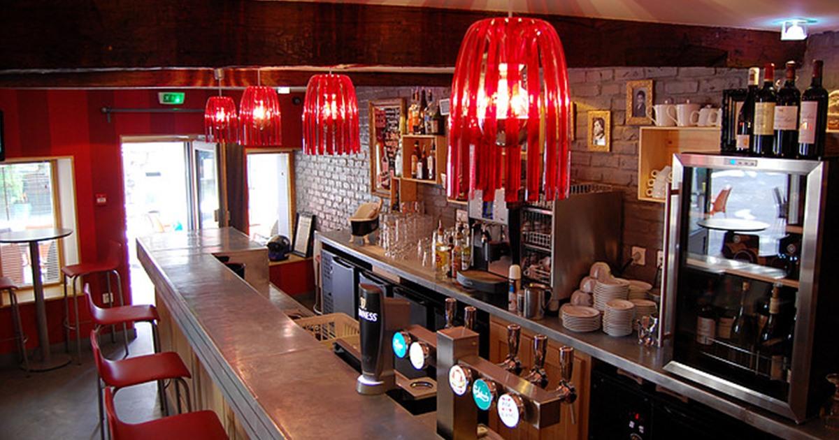 Tarifs des consommations caf saint jacques bar for Bar a champagne saint etienne